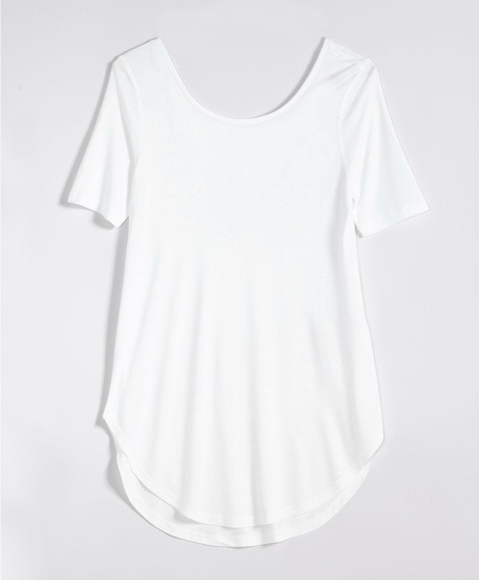 Den evige jakten etter den perfekte hvite t skjorten Mote